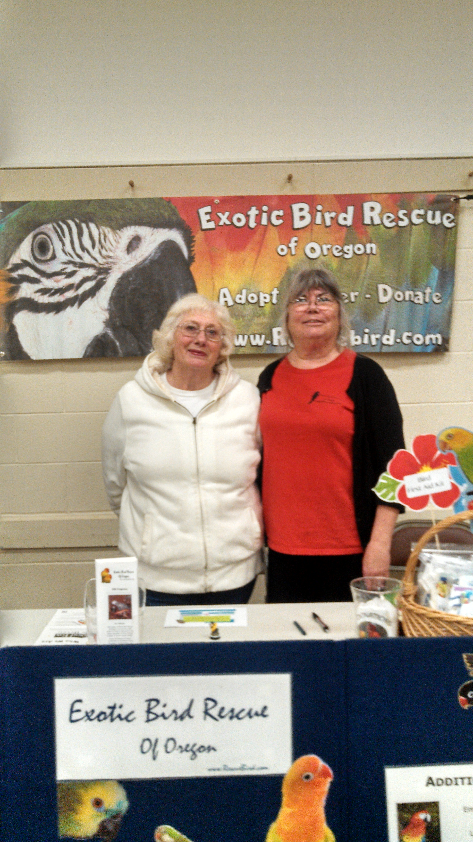 seattle-parrot-expo4.jpg